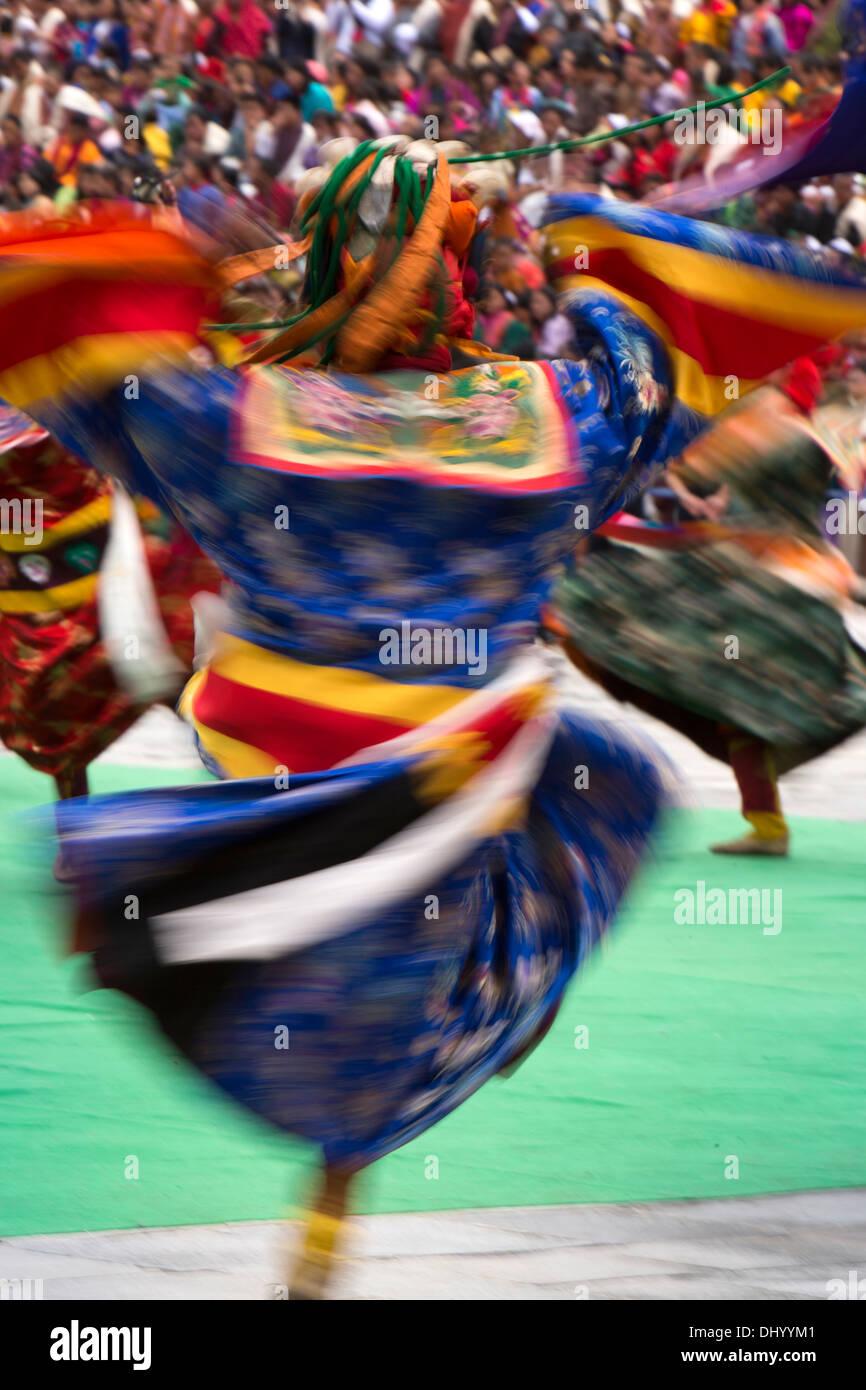 Le Bhoutan, Thimphu Dzong, Tsechu annuel, la danse des trois types de pelage d'Gingsum Ging Photo Stock