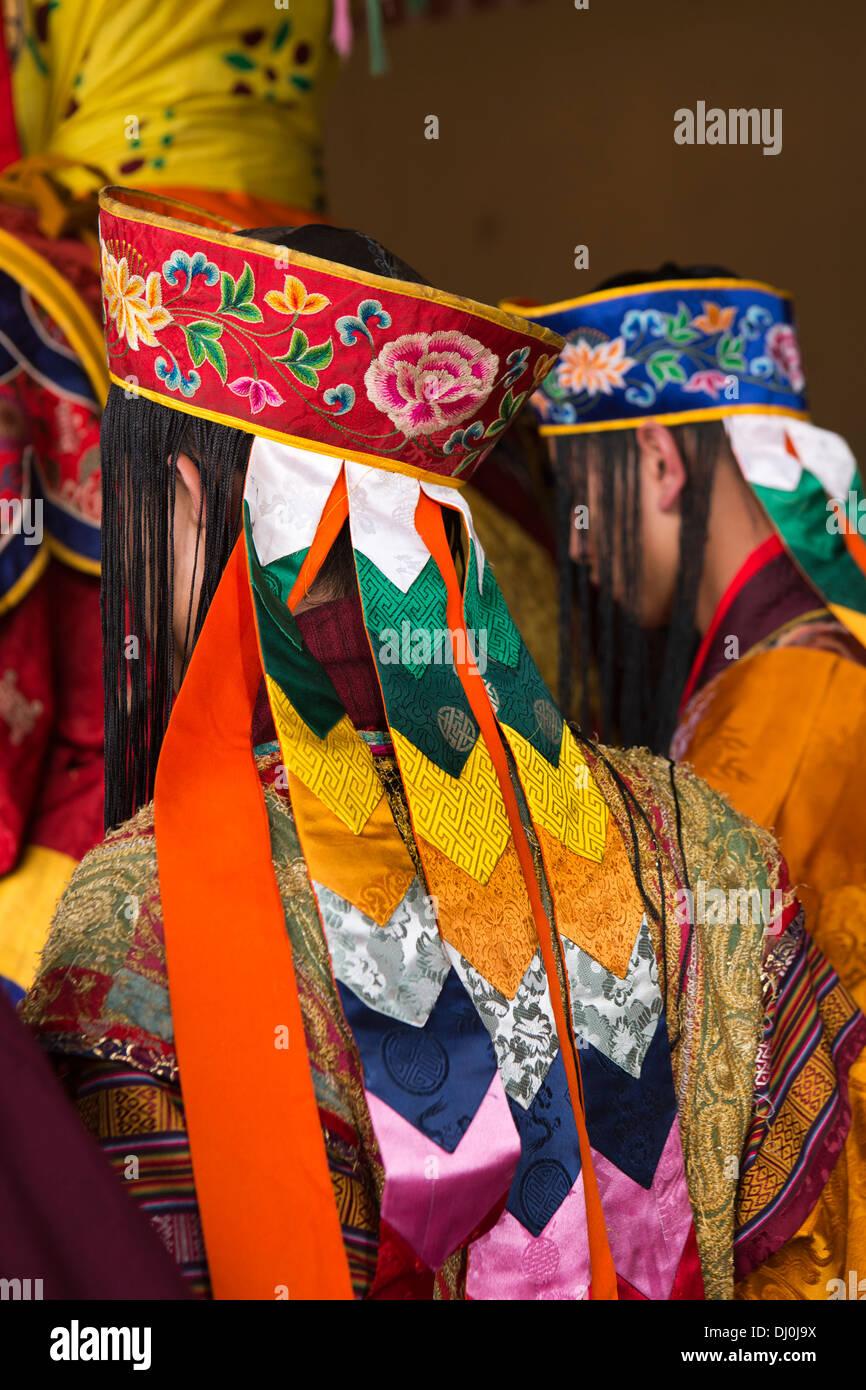 Le Bhoutan, Thimphu Dzong, Tsechu annuel, moine musicien en costume dentelle Photo Stock
