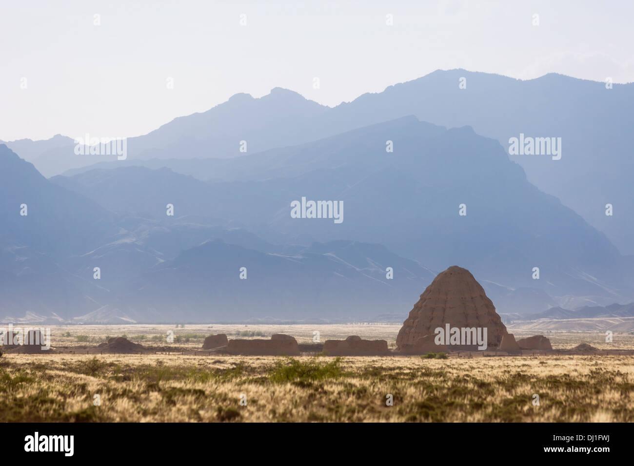 Tombes impériales Xixia, montagnes Helan, décor en Chine Banque D'Images