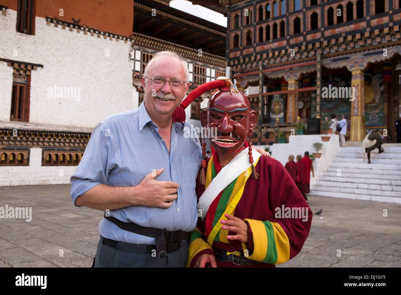 Bhoutan Thimphu Tsechu festival annuel Teschu Atsara avec tourist Photo Stock