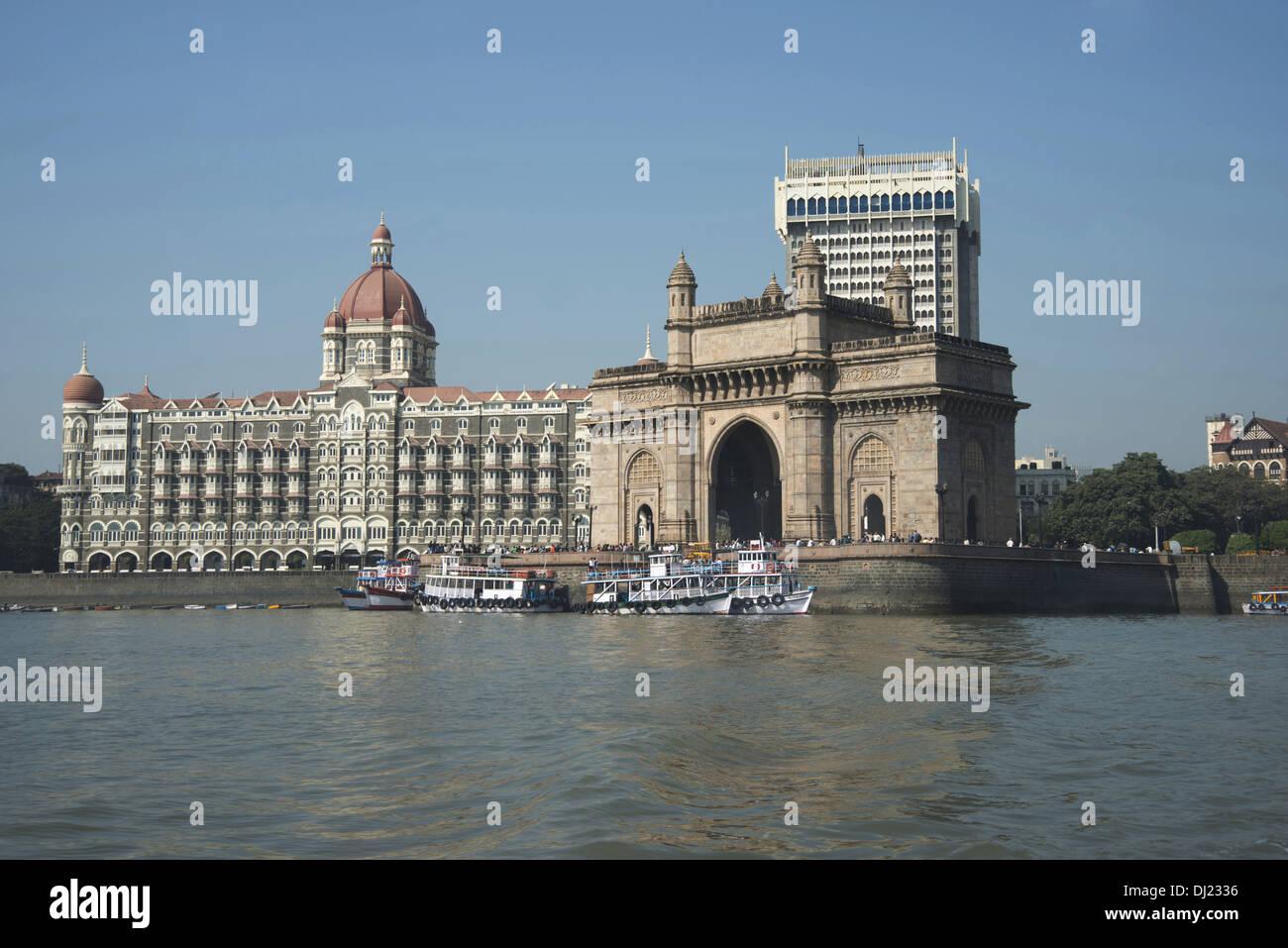 Photo montrant porte de l'Inde avec le Taj Hôtels en arrière-plan, à Mumbai. Photo Stock
