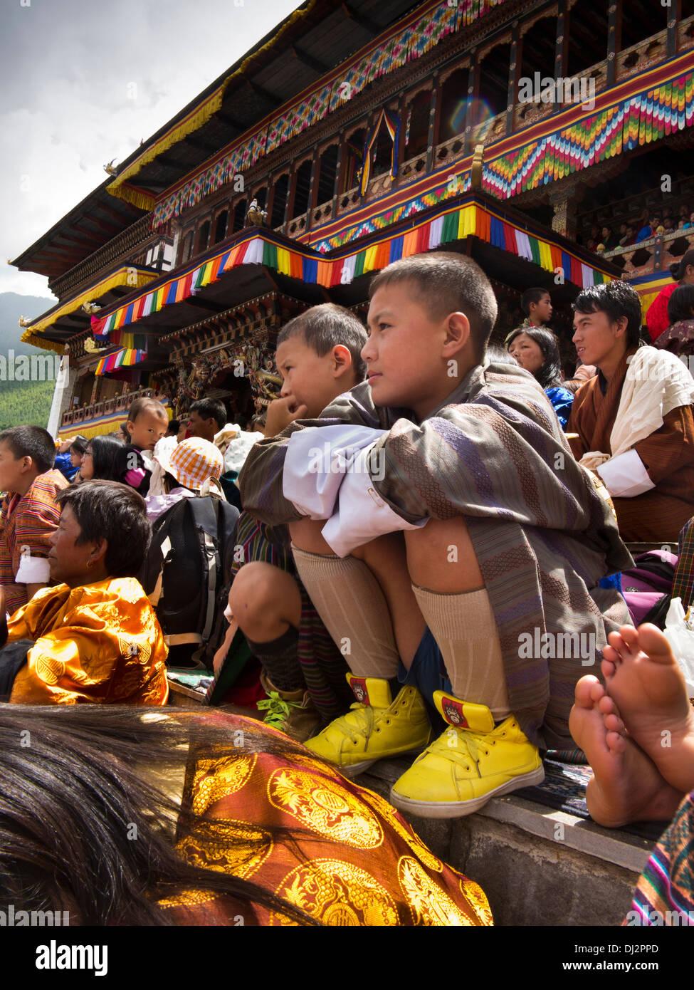 Le Bhoutan, Thimphu Dzong, Tsechu festival annuel, l'auditoire en face de monastère Photo Stock