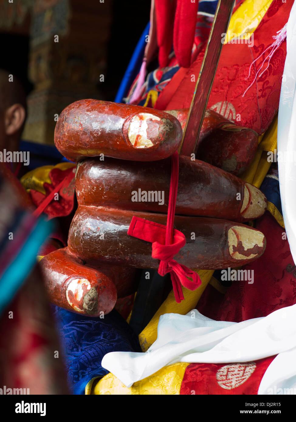 Le Bhoutan, Thimphu Dzong, Tsechu annuel, mains de Shinje Chhogyel caractère le seigneur de la mort Photo Stock