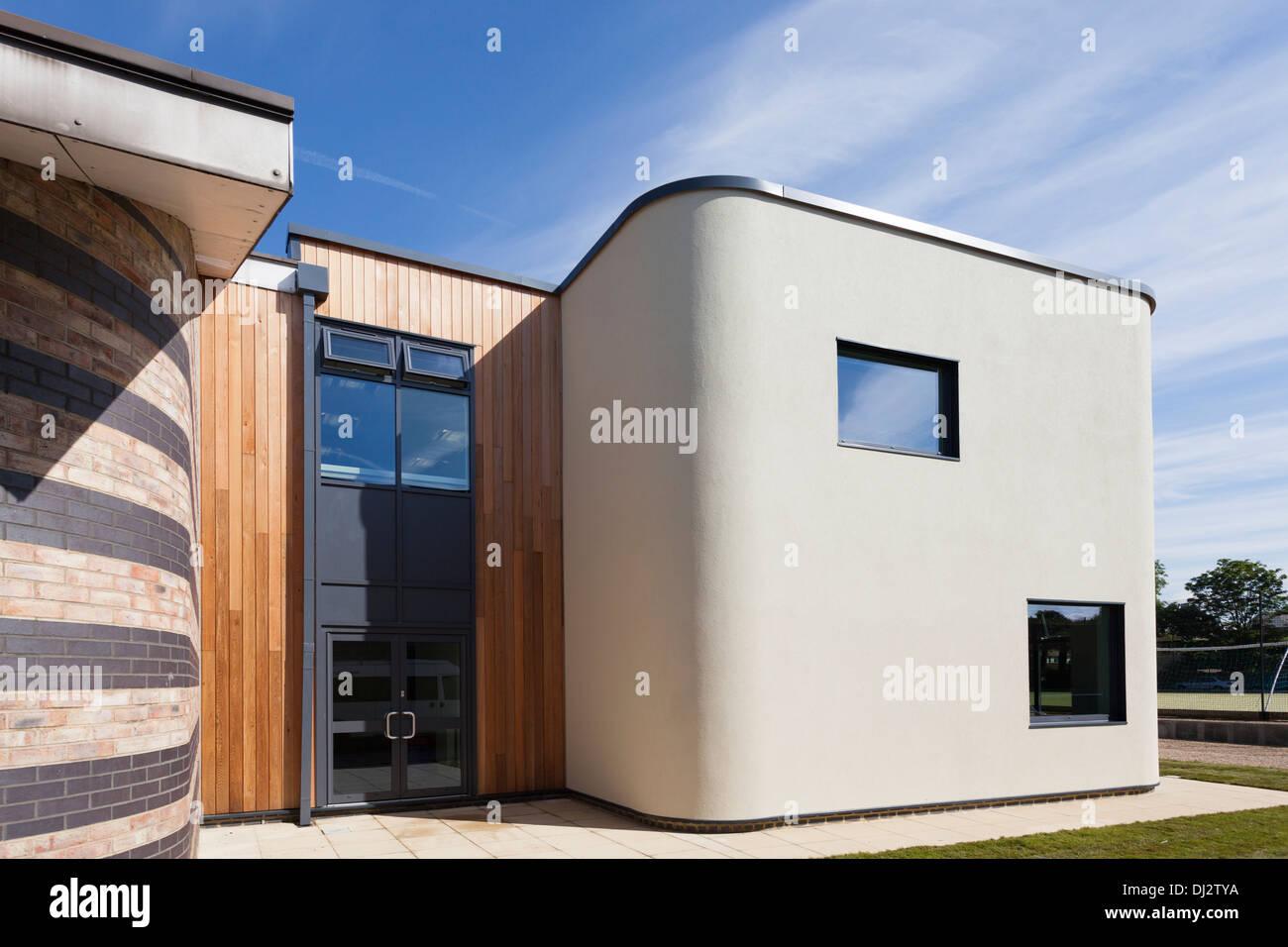 L'architecture moderne de l'extérieur de l'école. Photo Stock