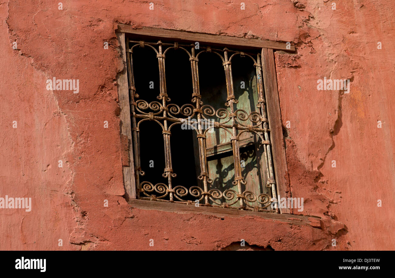 Moorish window photos moorish window images alamy for Pro fenetre mortagne du nord