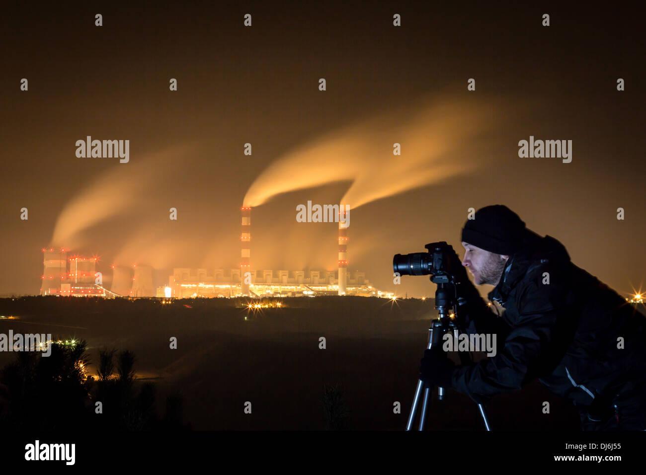 La photographie de nuit - Belchatow en Pologne. Banque D'Images