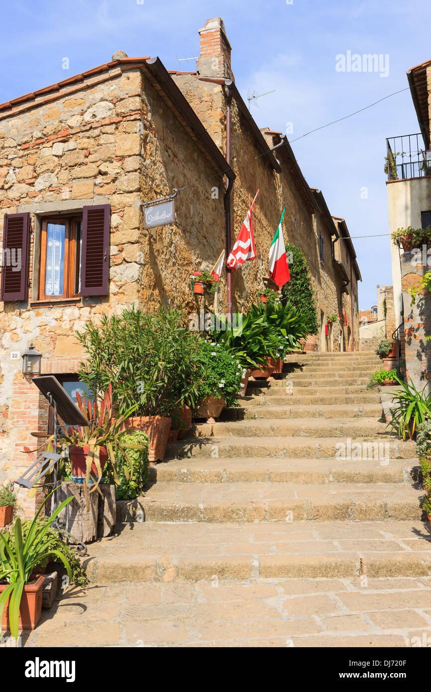 Rue de Pienza, au coeur de la Toscane Photo Stock
