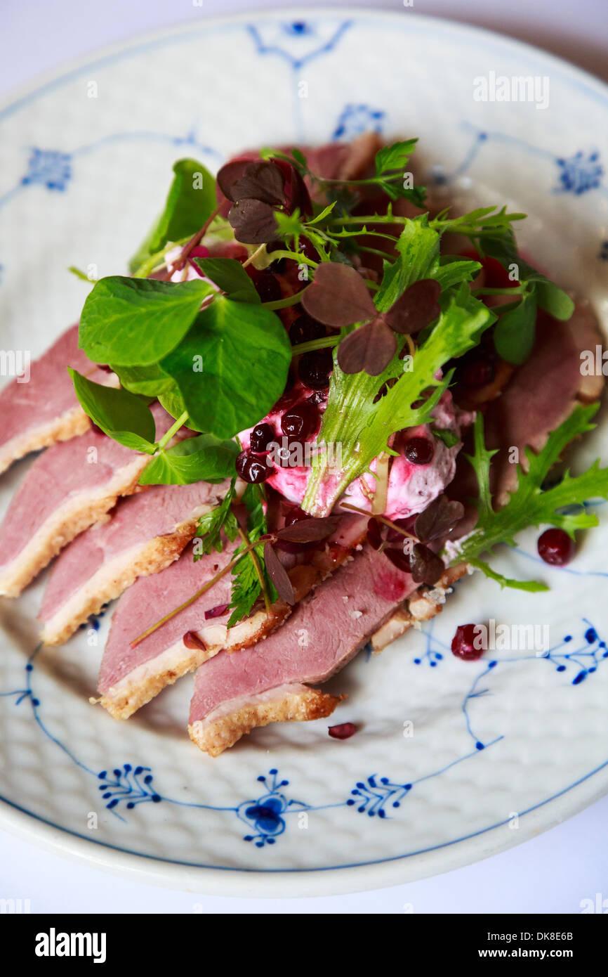Smorrebrod danois, un sandwich ouvert au restaurant servant une nourriture Schonnemann Danois, Copenhague, Danemark Photo Stock