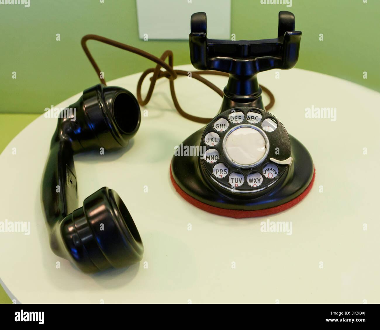 Téléphone de bureau rotatif vintage, ch. 1930 Photo Stock