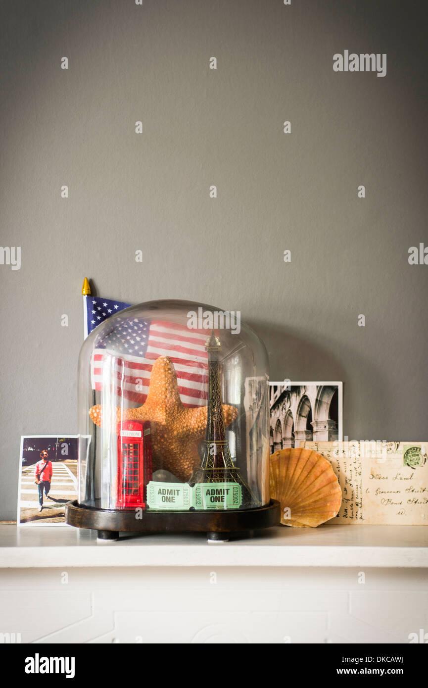 Collection d'objets de vacances et voyage avec globe Photo Stock