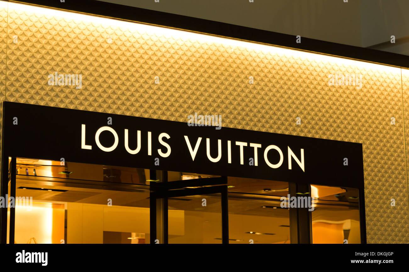 Louis Vuitton LV à Westfield Valley Fair Mall, Santa Clara, Californie, États-Unis Photo Stock