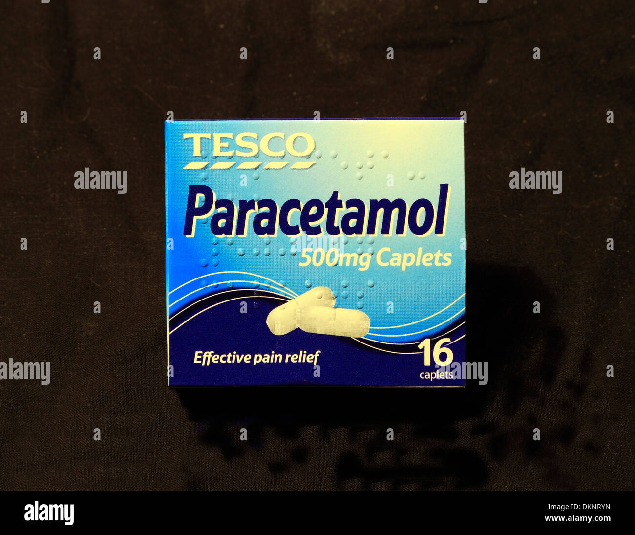 Tesco Paracetamol 500mg comprimés, pack, paquet, boîtes, paquets, comprimé, médecine, médicaments, pain killer killers UK 500 mg mg Photo Stock
