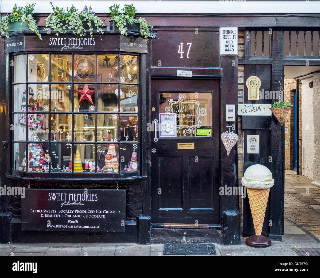 Sweet Memories - une ancienne sweet et la crème glacée boutique dans Church Street, London, UK Photo Stock