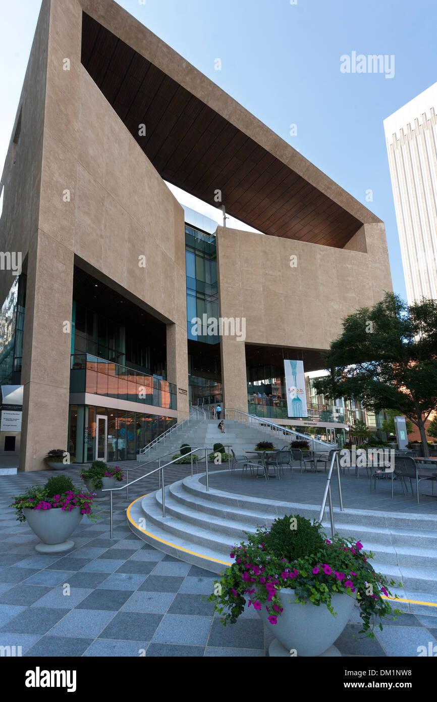 L'extérieur et l'entrée du musée de la monnaie de l'art l'artisanat et le design au centre-ville de Charlotte, en Caroline du Sud, USA Photo Stock