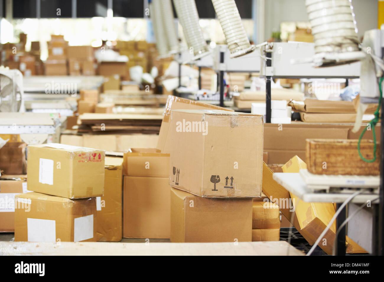 L'intérieur de l'entrepôt de distribution vide Photo Stock