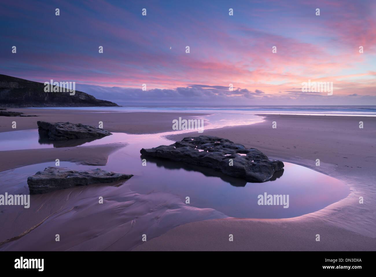 Magnifique coucher de soleil au-dessus de Dunraven Bay, Southerndown, côte du Glamorgan, Pays de Galles. L'automne (octobre) 2013. Photo Stock