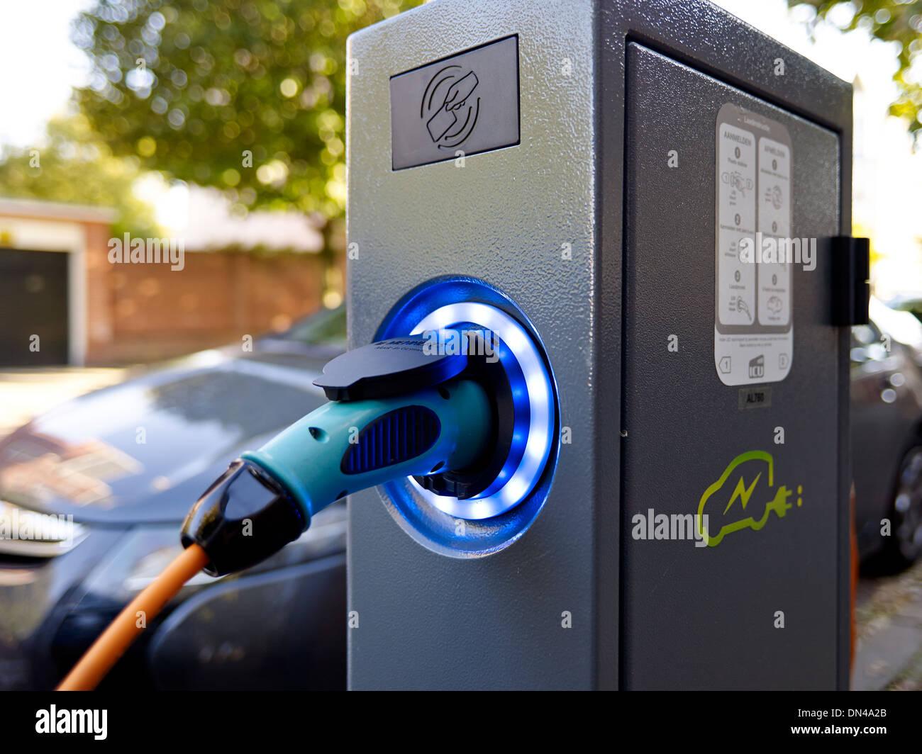 Voiture électrique point de charge Photo Stock