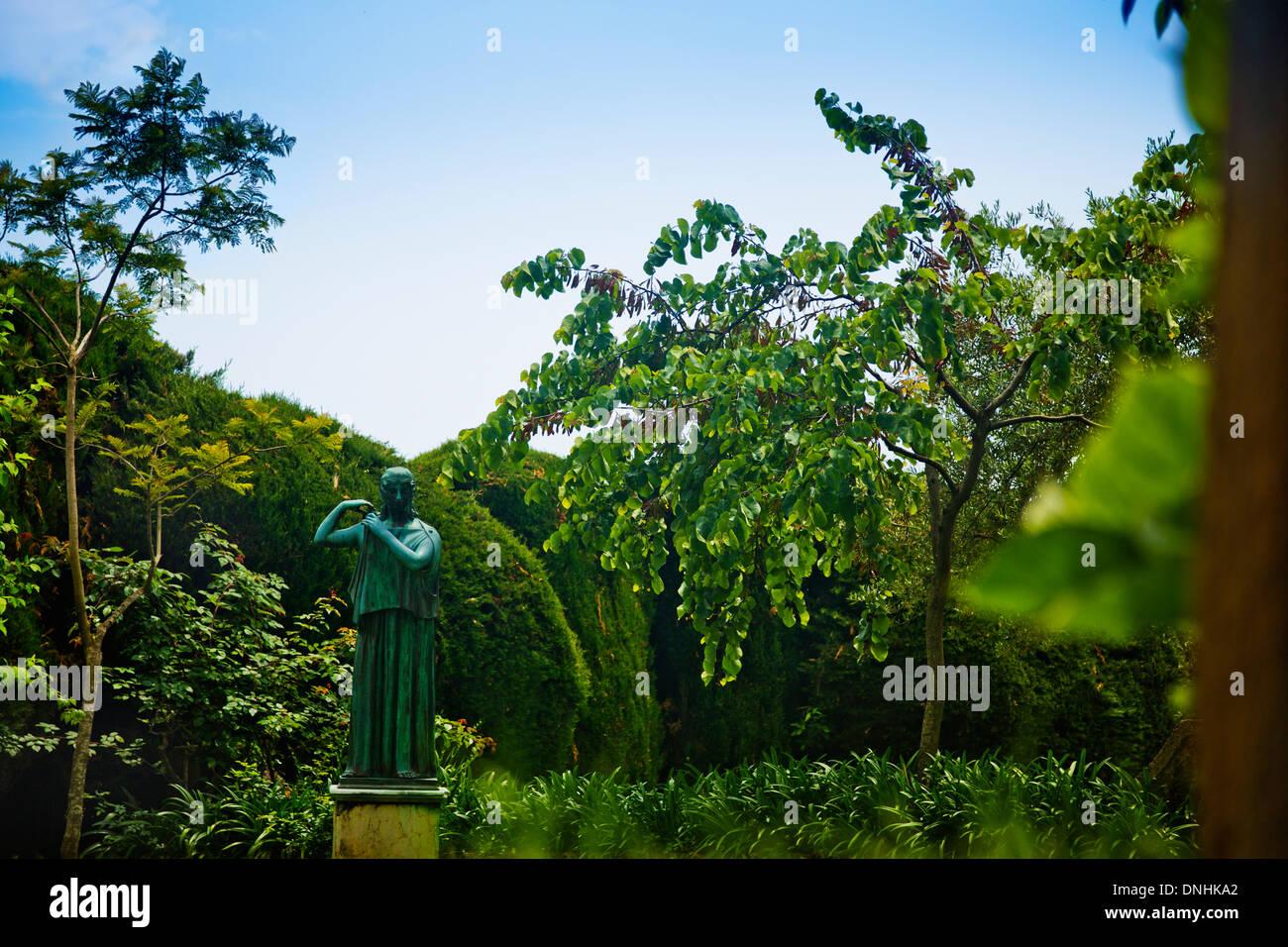 Statue dans le jardin, la Villa Cimbrone, Ravello, Province de Salerne, Campanie, Italie Banque D'Images