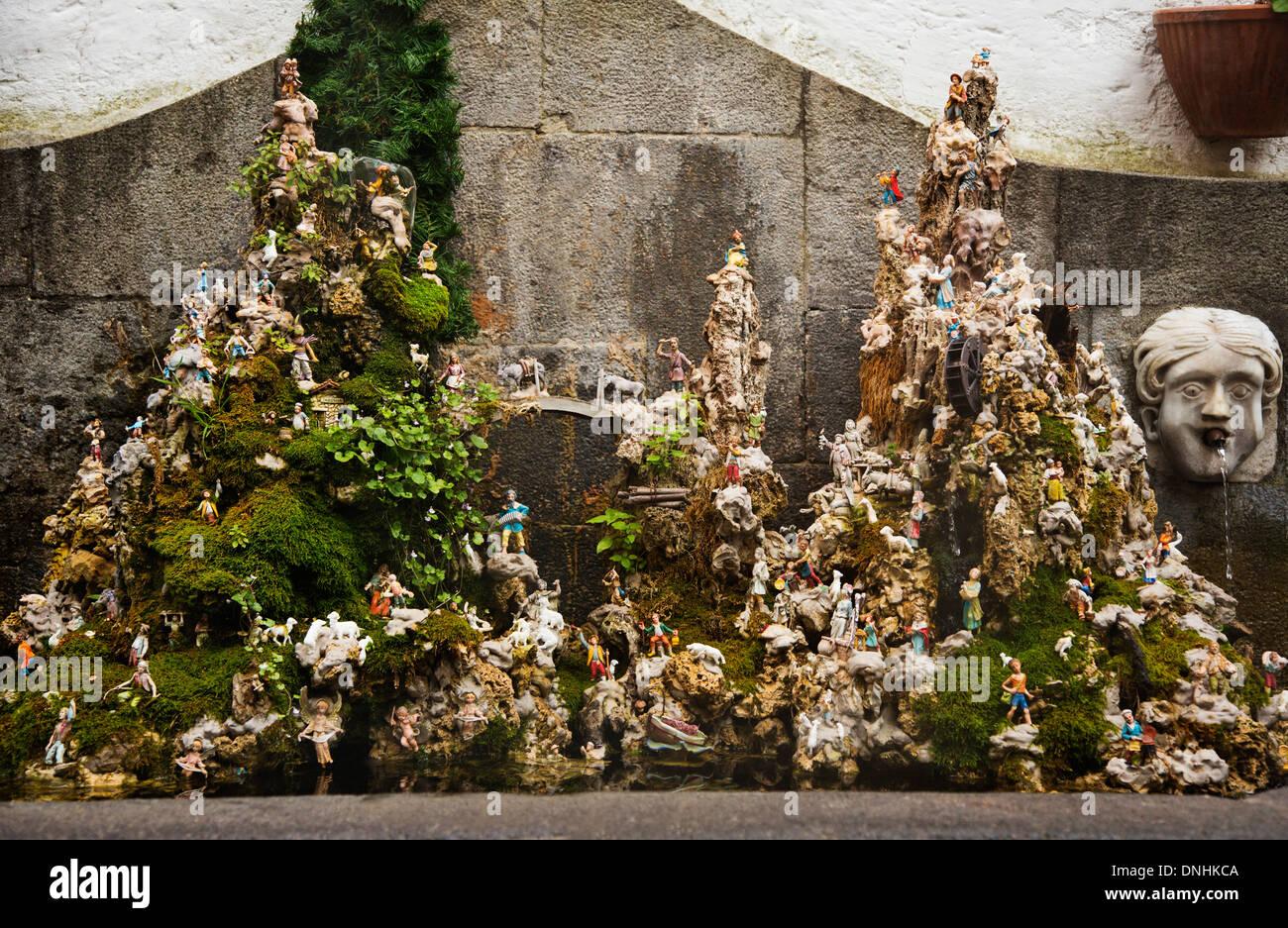 Fontaine miniature, Amalfi, Province de Salerne, Campanie, Italie Banque D'Images