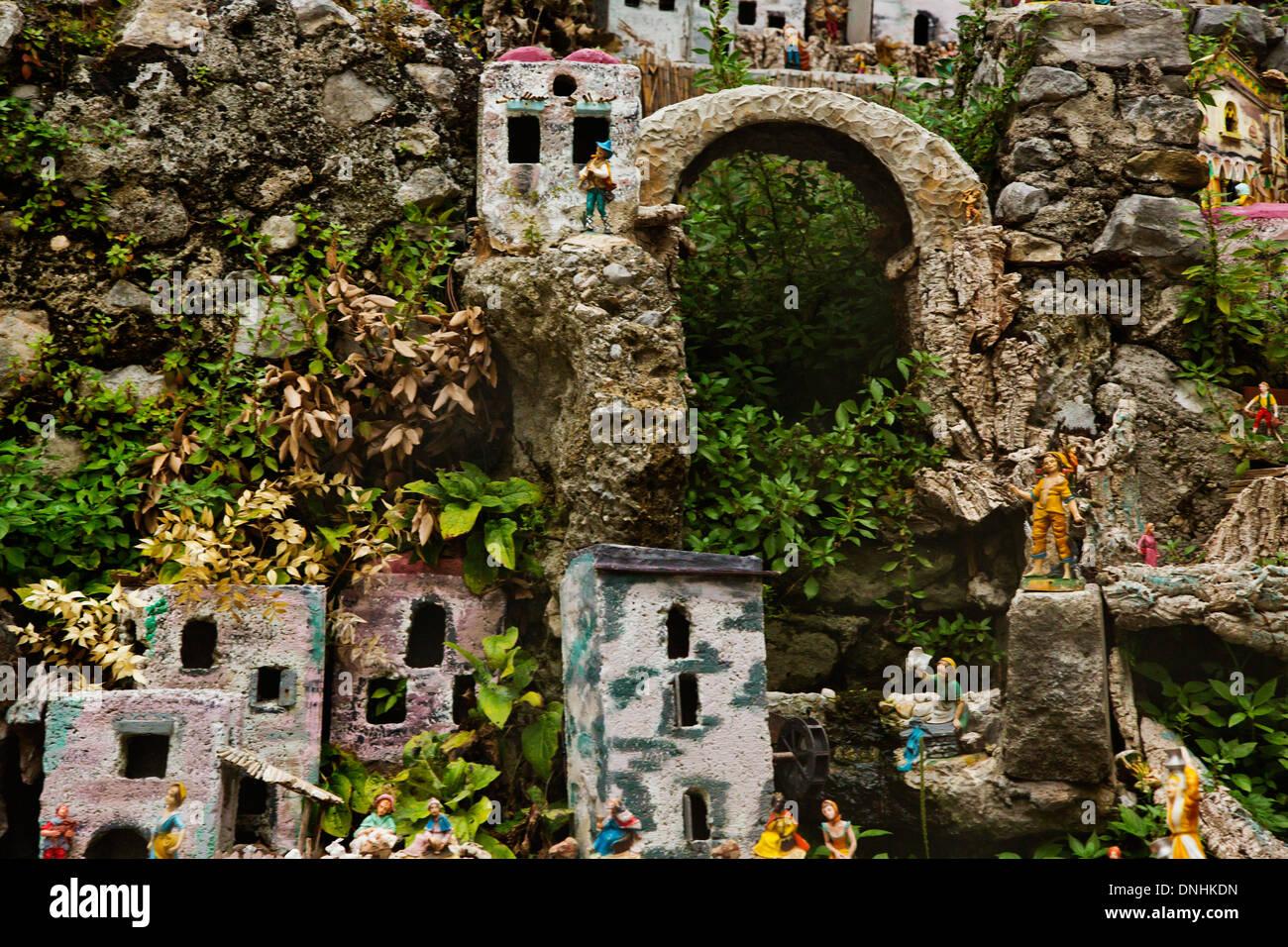 Maisons miniatures sur les rochers, Amalfi, Province de Salerne, Campanie, Italie Banque D'Images