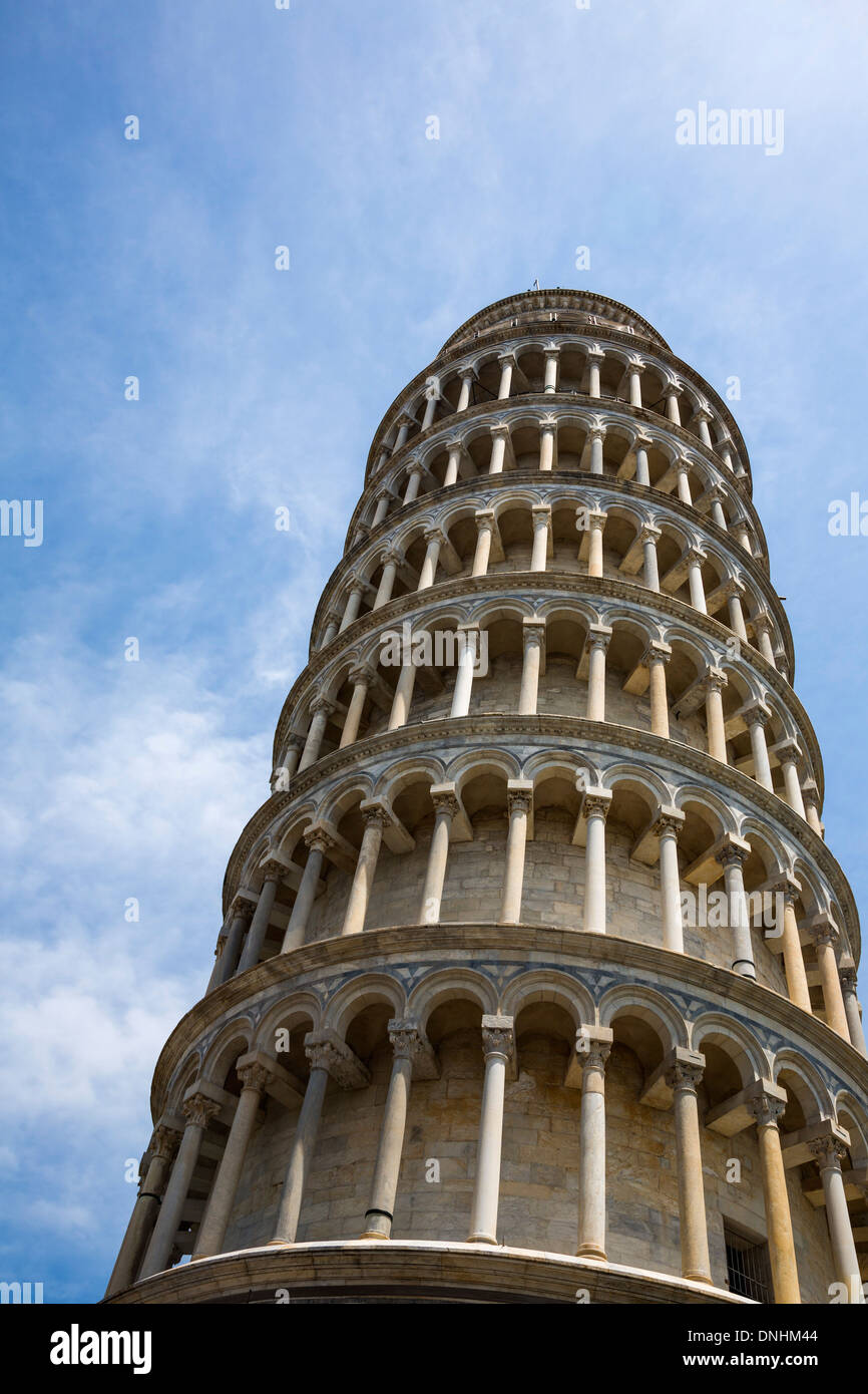 Low angle view of a Tower, Tour de Pise, la Piazza dei Miracoli, Pisa, Toscane, Italie Banque D'Images