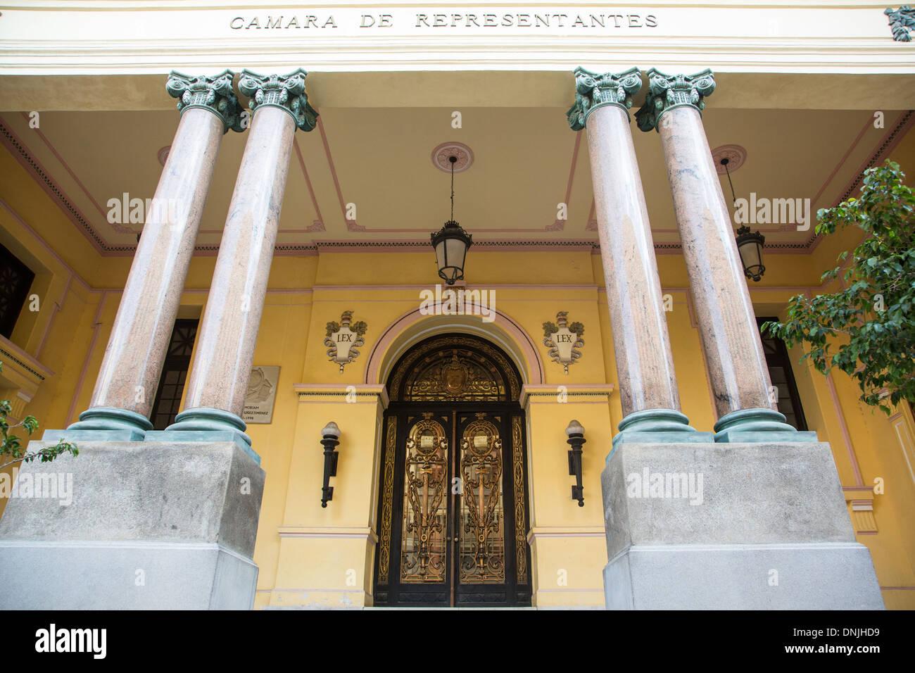 CAMARA DE REPRESENTANTES (CHAMBRE DES REPRÉSENTANTS), Calle de los Oficios, LA HAVANE, CUBA, LES CARAÏBES Banque D'Images