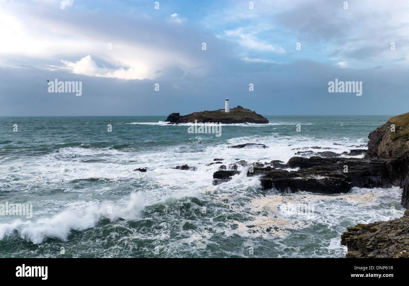 L'île de Godrevy et son phare au large de la côte de St Ives en Cornouailles Photo Stock