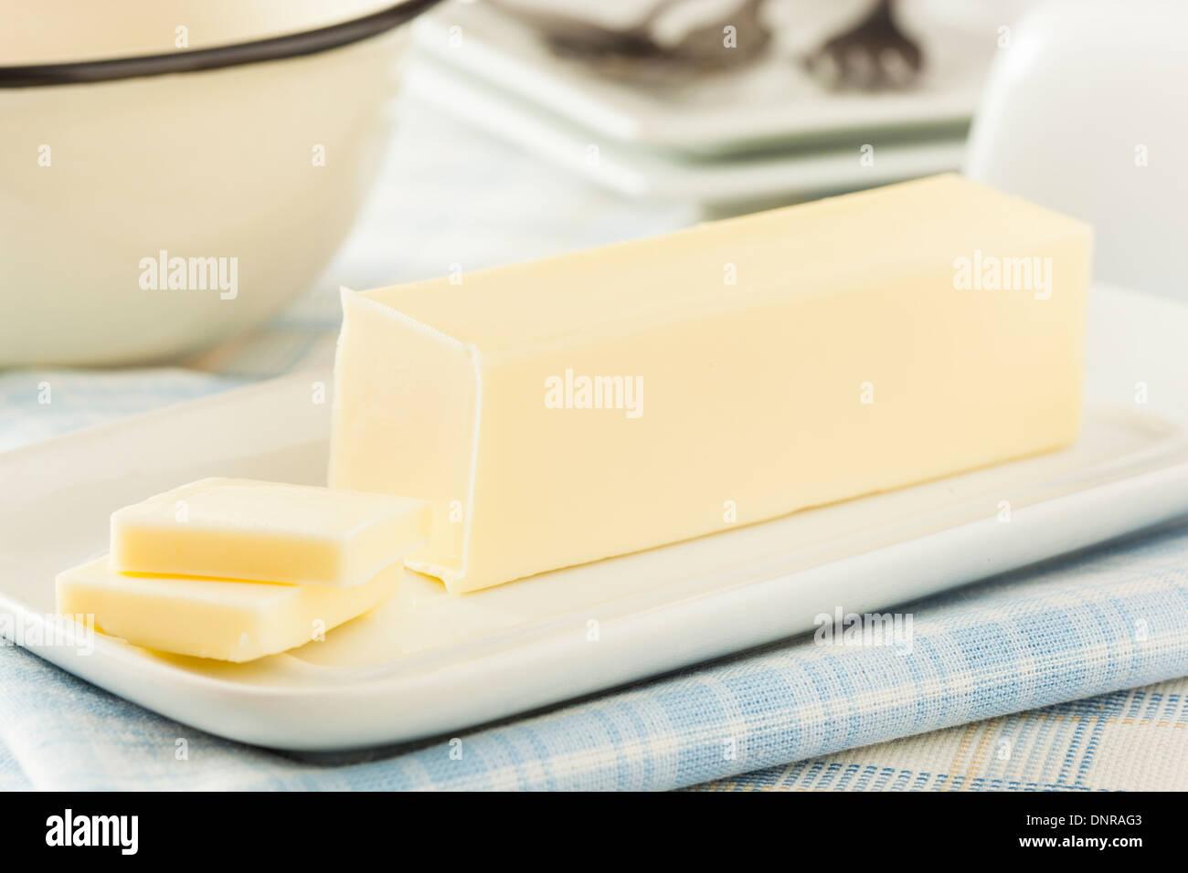 Produits laitiers bio beurre jaune un ingrédient pour la cuisine Photo Stock