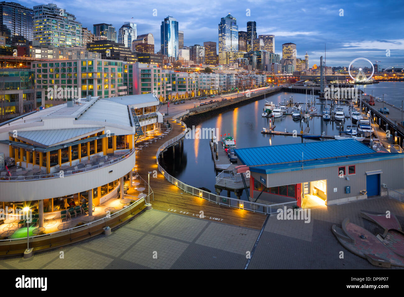 Seattle skyline de Pier 66 Photo Stock