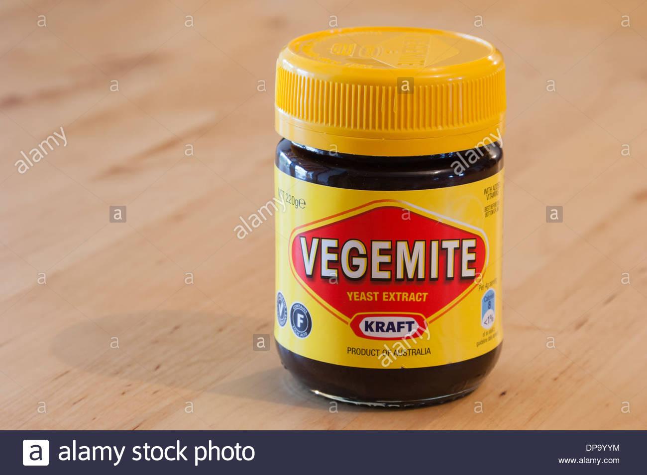 Pot de Vegemite un extrait de levure propagation produit en Australie pour Kraft Foods. Photo Stock