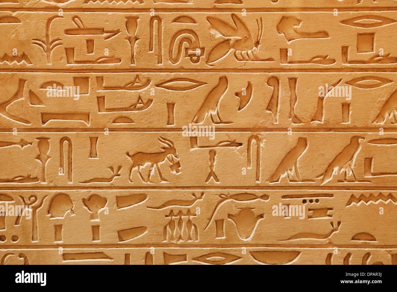 Un vieux pictural égyptien écrit sur un grès Photo Stock