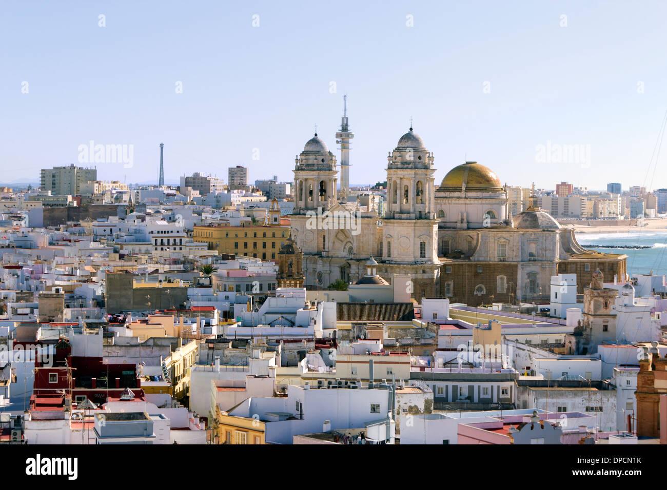 Vue de Cadix et de sa cathédrale de la Torre Tavira, ou la Tour Tavira, Espagne. Banque D'Images
