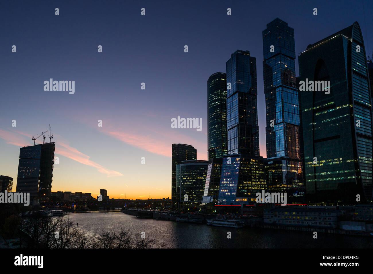 Vue nocturne de la ville de Moscou Centre d'affaires Photo Stock