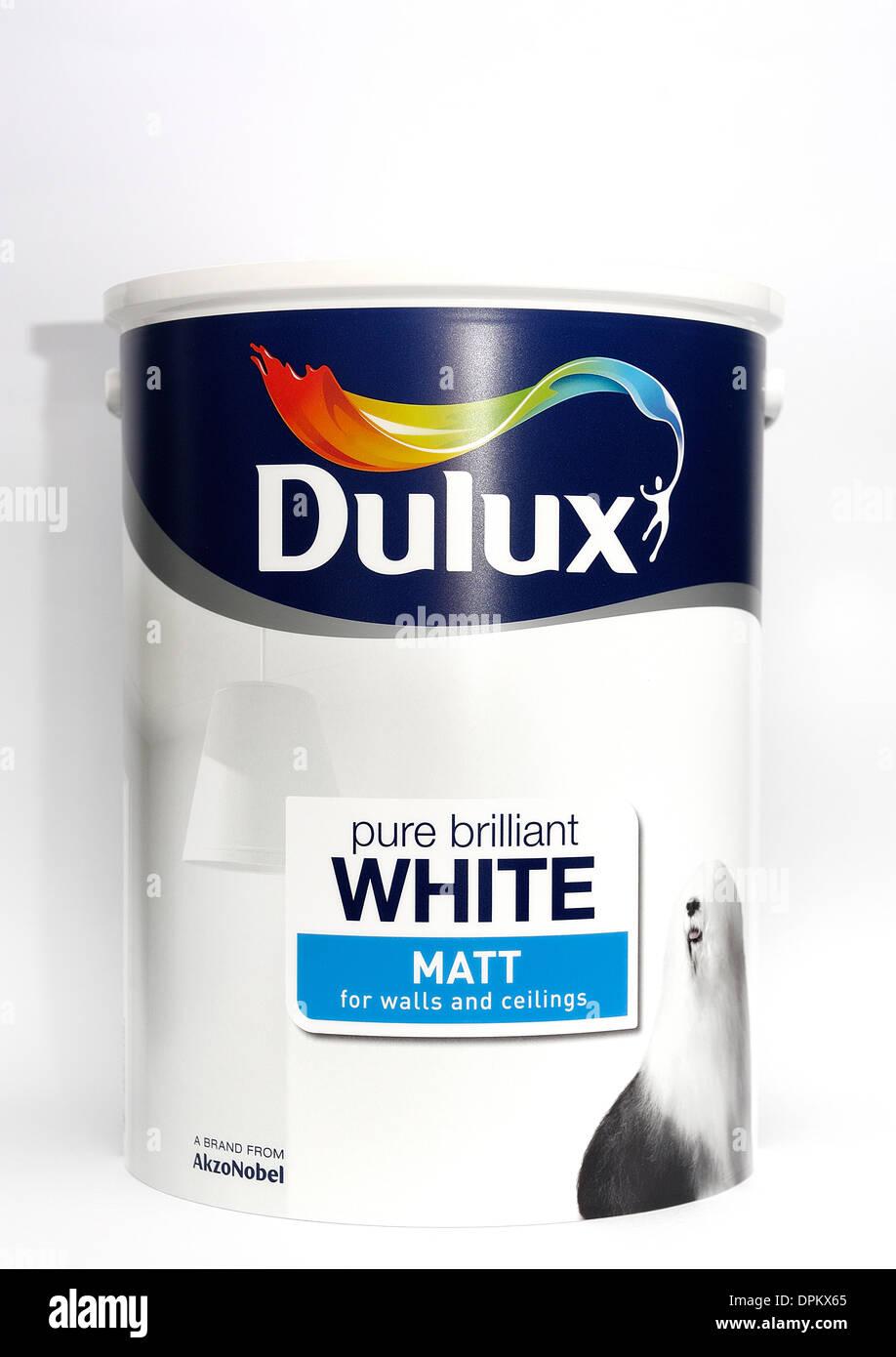 Une Boîte De Peinture Mat Blanc Brillant Dulux Pour Murs Et Plafonds - Peinture mat ou brillant