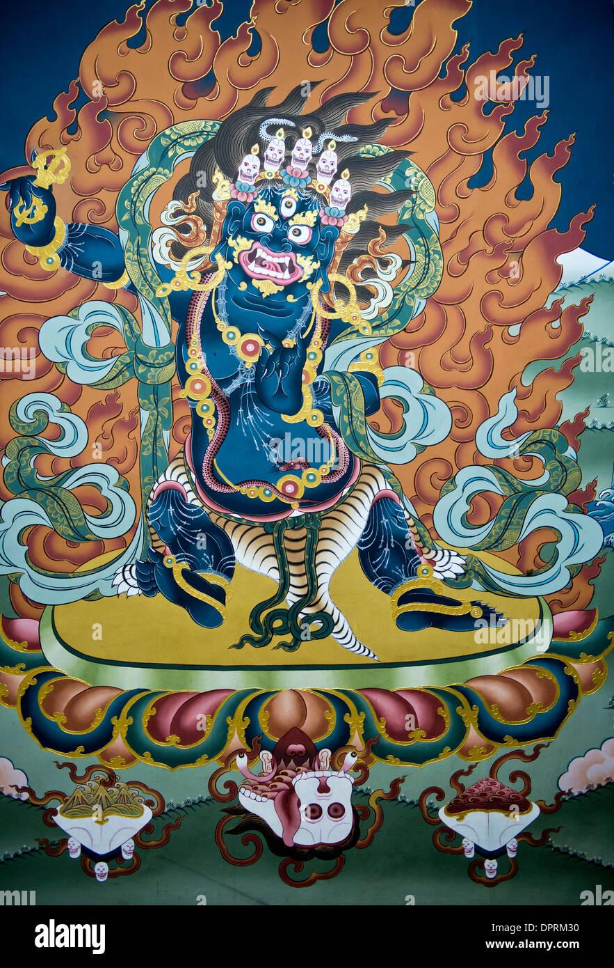Peintures murales de motifs de la mythologie bouddhiste dans le Trashi Chhoe Dzong ou Thimphu Dzong, Thimphu, Bhoutan Photo Stock
