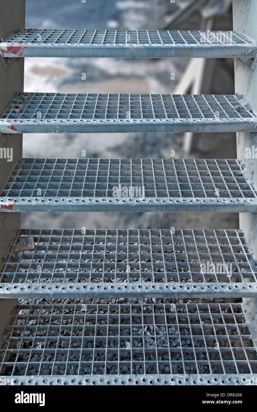 Escalier En Caillebotis Métallique intérieur escalier caillebotis en acier banque d'images, photo stock: 65901646
