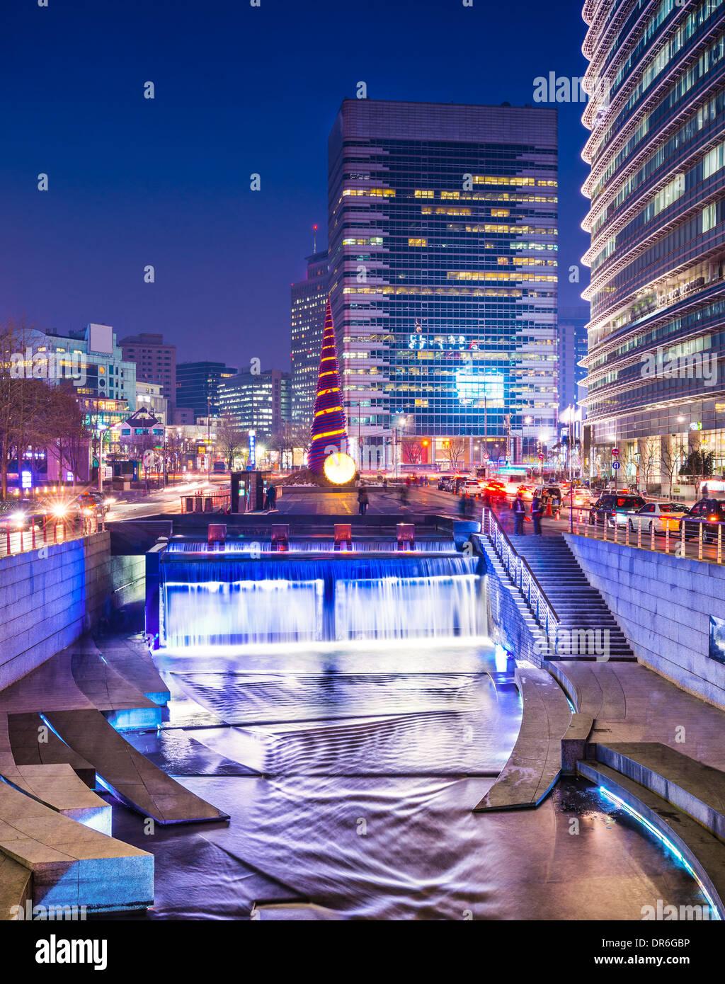 Séoul, Corée du Sud, à Rue Cheonggye Flux. Photo Stock
