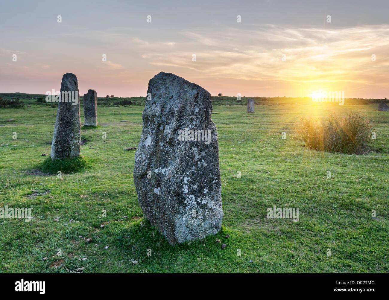 Comité permanent des pierres sur les Hurlers un stone circle à larbins sur Bodmin Moor en Cornouailles Banque D'Images