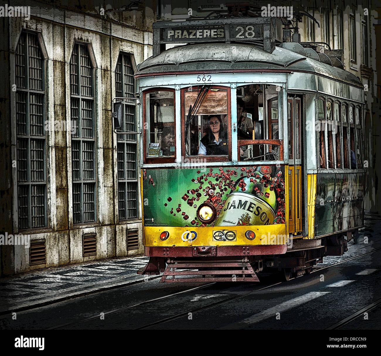 Un vieux tram de Lisbonne avec la photographie après le travail visant à améliorer les qualités picturales. Photo Stock