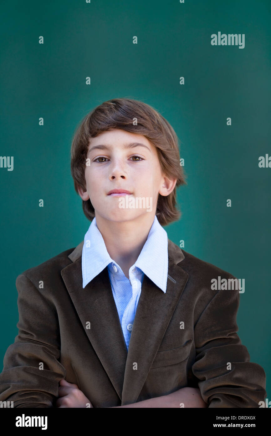 Jeune garçon dans l'Élégant blazer Photo Stock