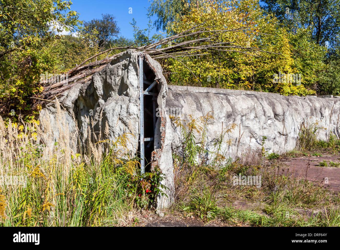 La dégradation du milieu urbain à l'abandon, de l'épave, le parc d'attractions désaffecté - Spreepark, Planterwald, Banque D'Images