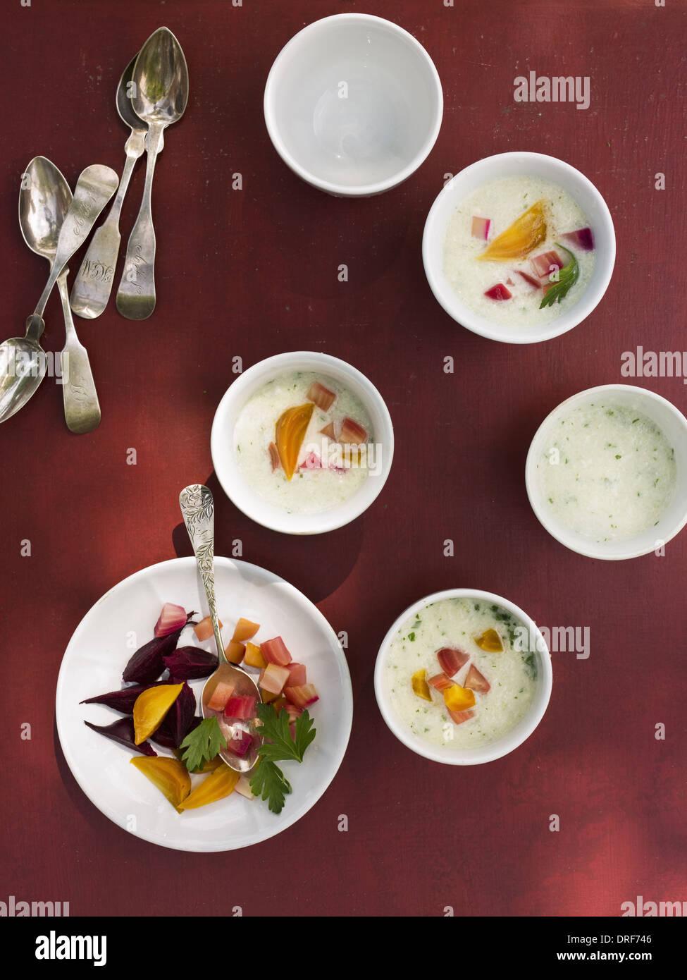Maryland USA table ronde petit bol blanc chine aliments frais Photo Stock