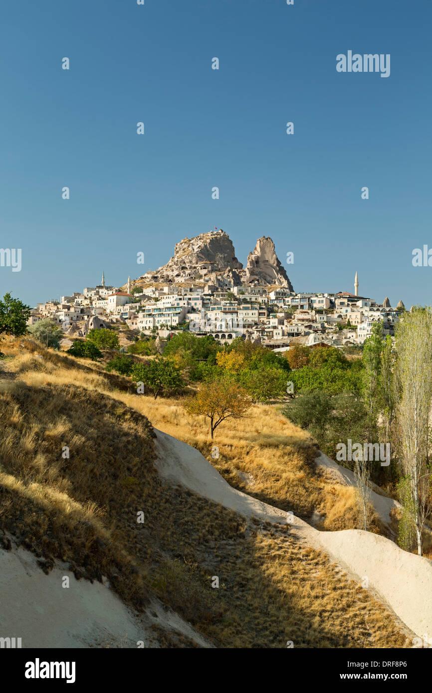 Village et château d'Uchisar, Cappadoce, Turquie Photo Stock