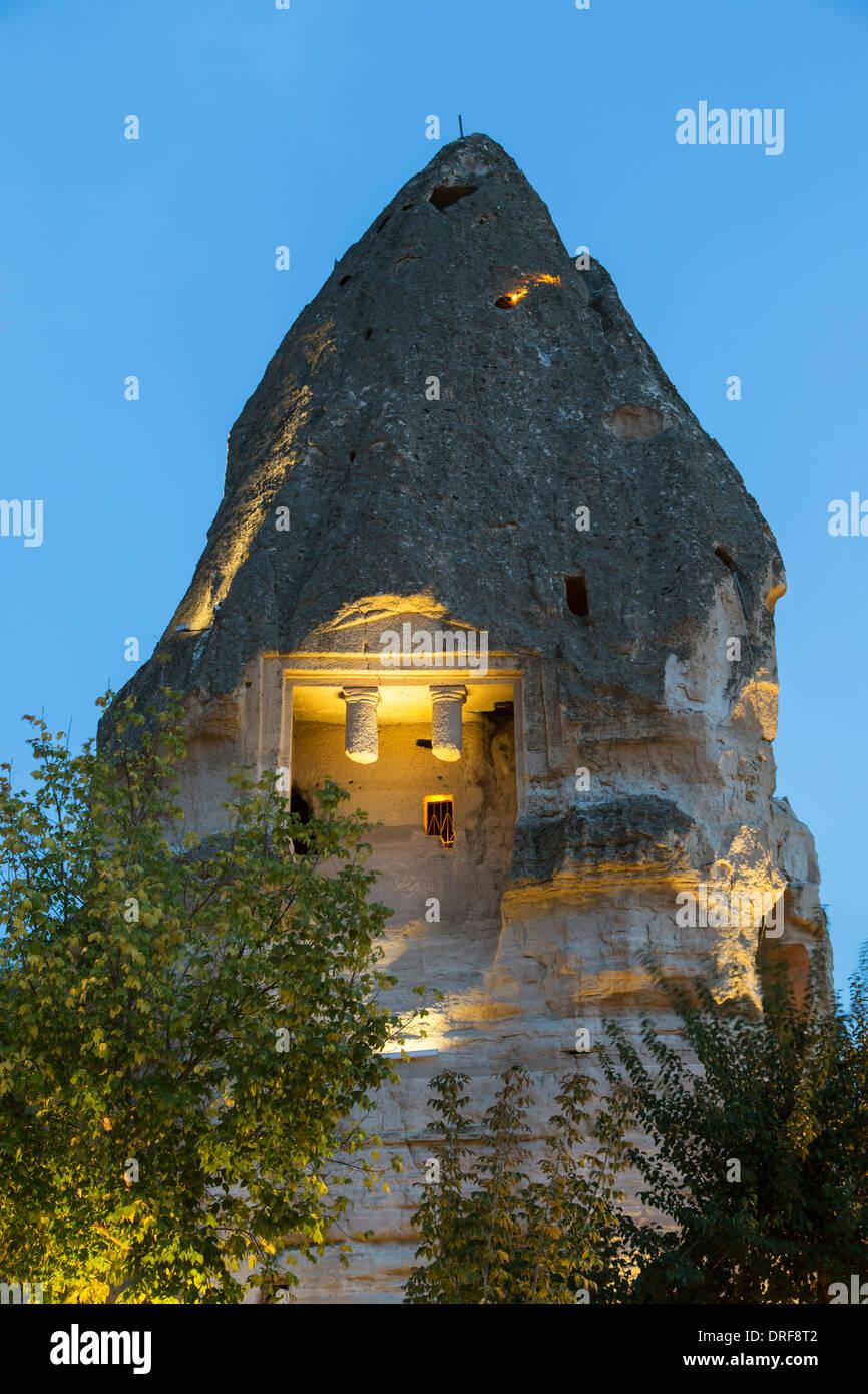 Tombe romaine dans la cheminée de fées, Goreme, Cappadoce, Turquie Photo Stock