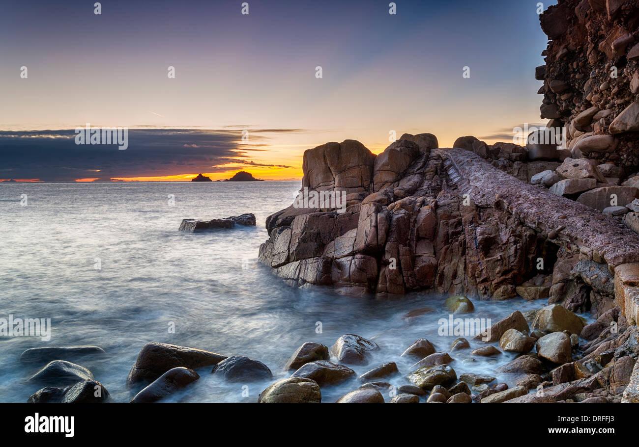 La plage de lit bébé vallée près de St Just à Cornwall également connu sous le nom de Porth Nanven cove Photo Stock