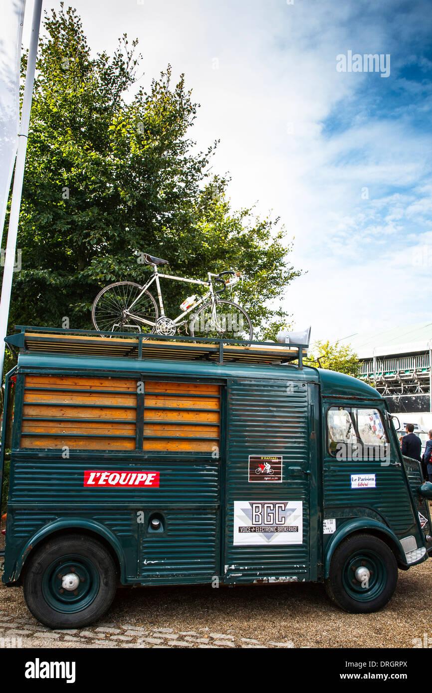 Vintage Tour de France van soutien au Goodwood Revival 2013, West Sussex, UK Photo Stock