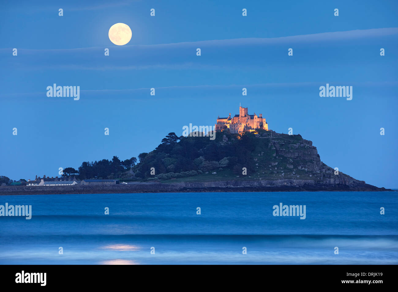 2013 s'élevant au-dessus de Supermoon St Michael's Mount, Cornwall Photo Stock