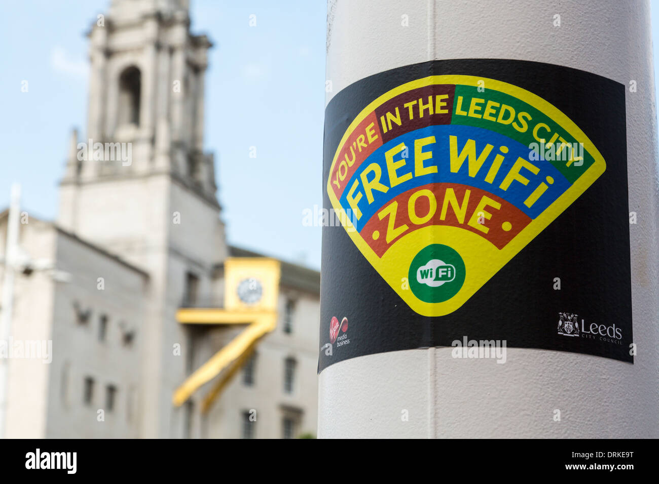 Connexion Wi-Fi gratuite signer avant de Civic Hall, Leeds, Angleterre Photo Stock