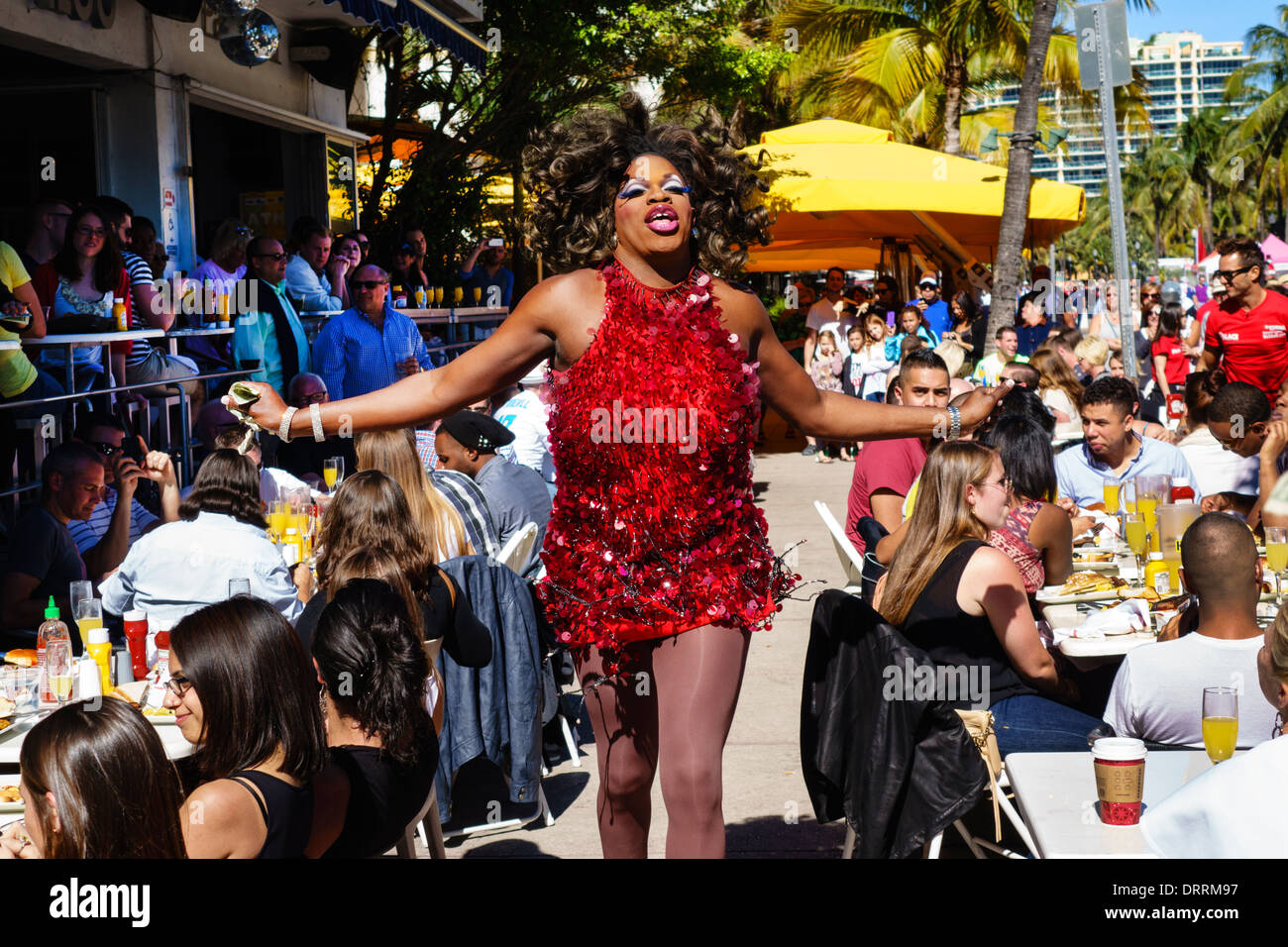 Floride Miami Beach Ocean Drive Week-end Art Déco rue festival juste cas Palace Bar restaurant dîner à vivre facilement acessible Photo Stock