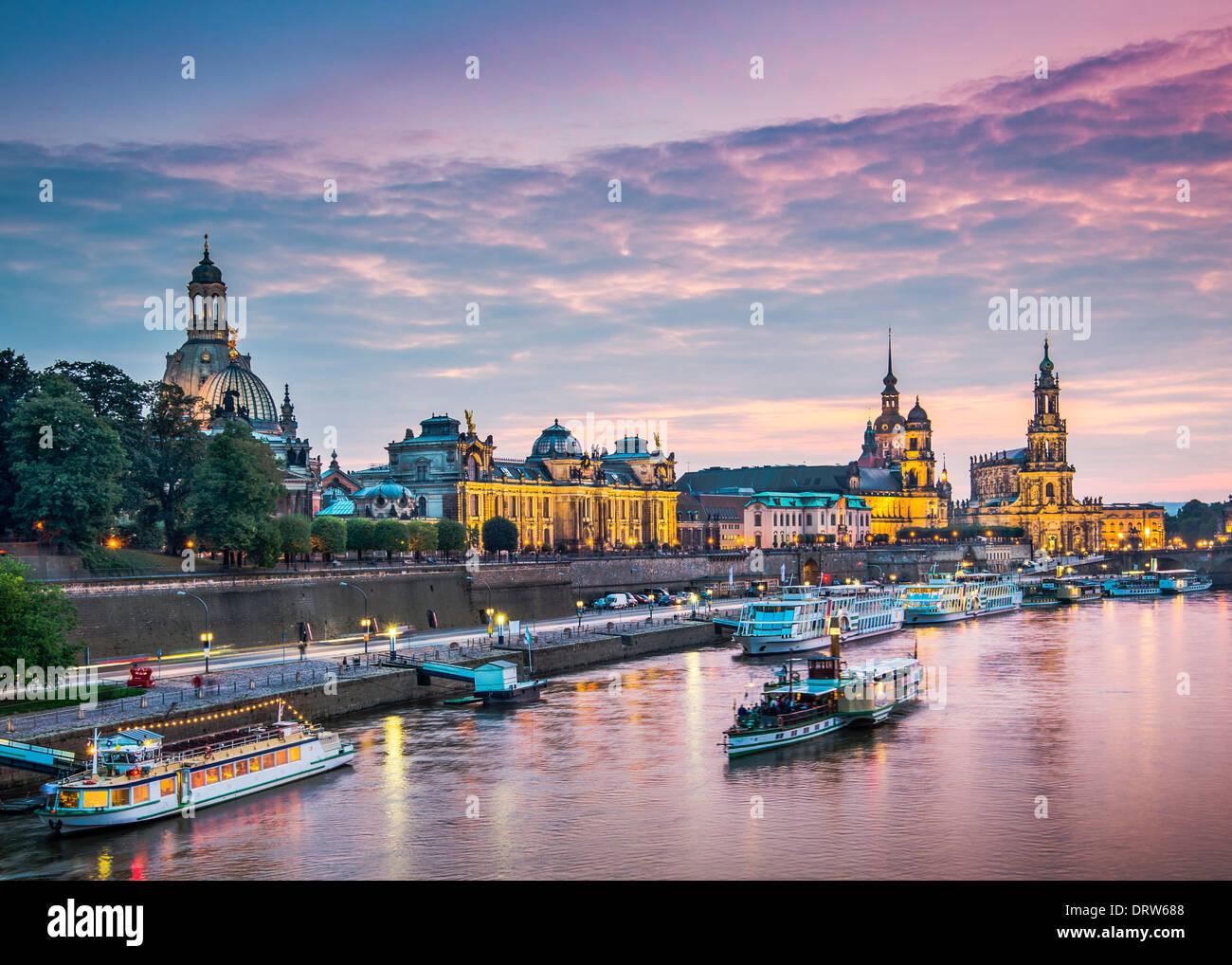 Dresde, Allemagne au-dessus de l'Elbe. Banque D'Images